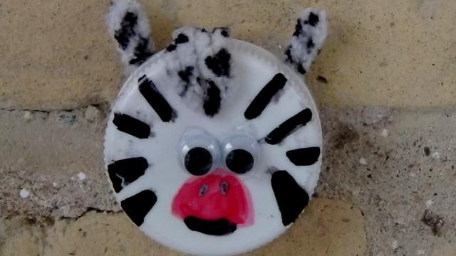 Animalitos - Cebra con un tapón - Manualidades