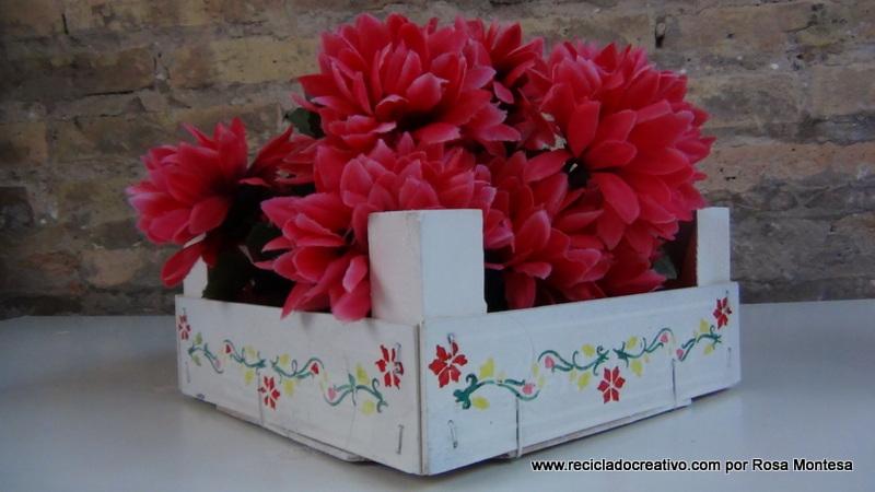 Cajas de fresas recicladas y pintadas para decoraci n - Como trabajar desde casa manualidades ...