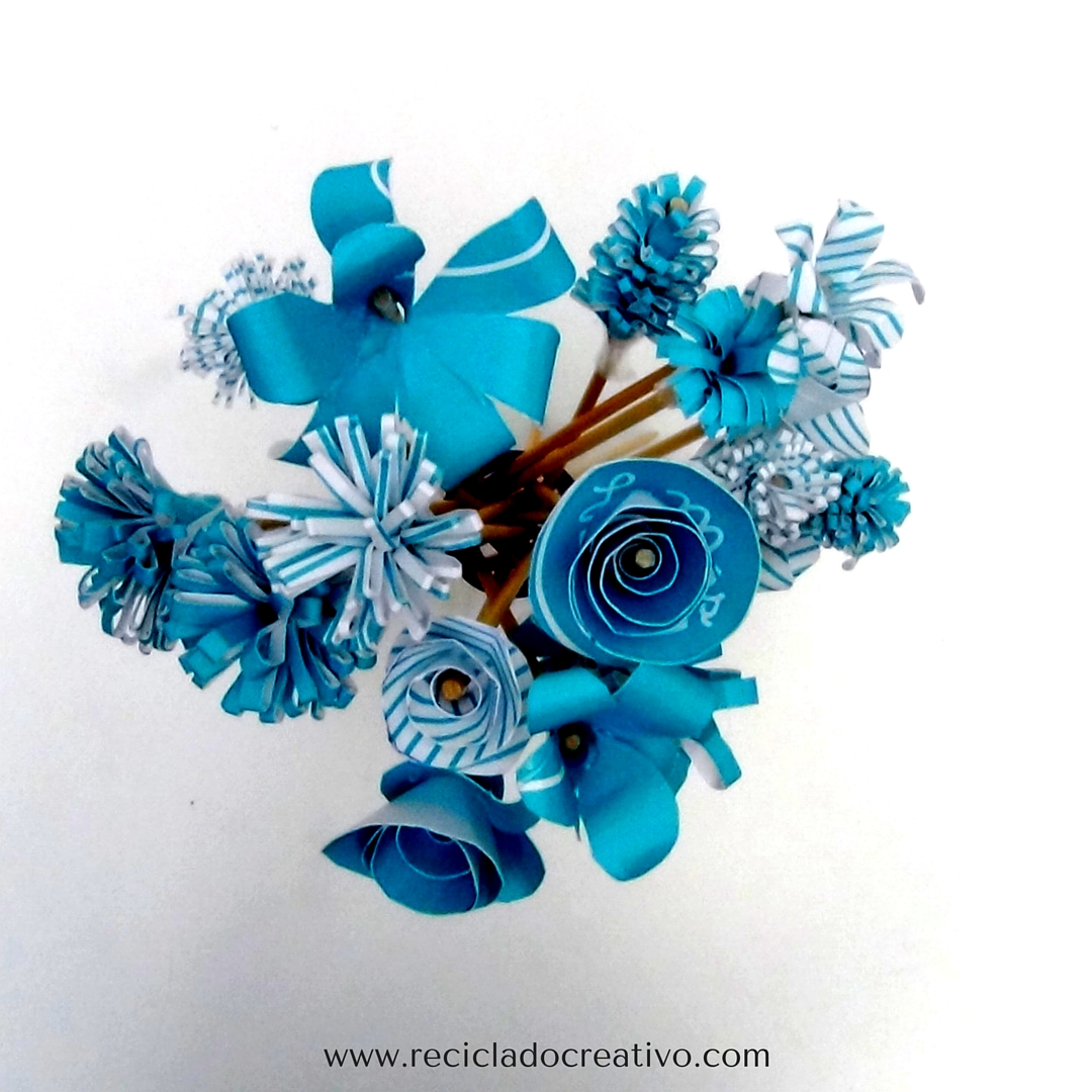 Flores con una caja de cartón de LaMasBonita