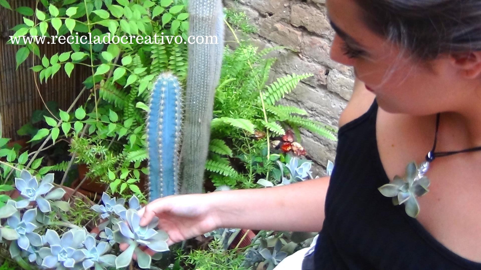 Bisutería con plantas suculentas y un tapón de corcho reciclado