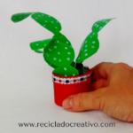 DIY Cactus realizado reciclando botellas de plástico