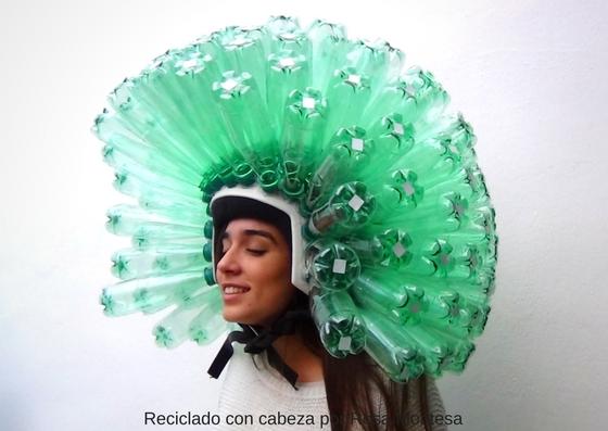 Casco con 140 botellas de plástico #RecicladoConCabeza #BottlesOnMyMind #CONAMA2016
