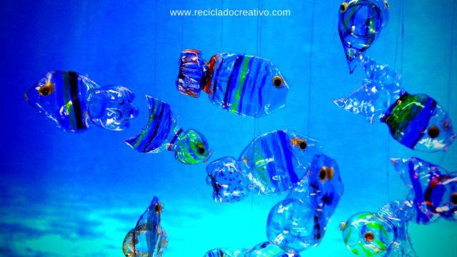 Móvil con peces. Hecho con botellas de plástico