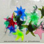 Estrellas de mar con botellas de plastico