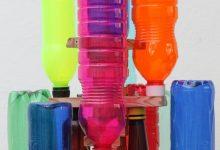 Árbol de Navidad reciclando botellas de plástico