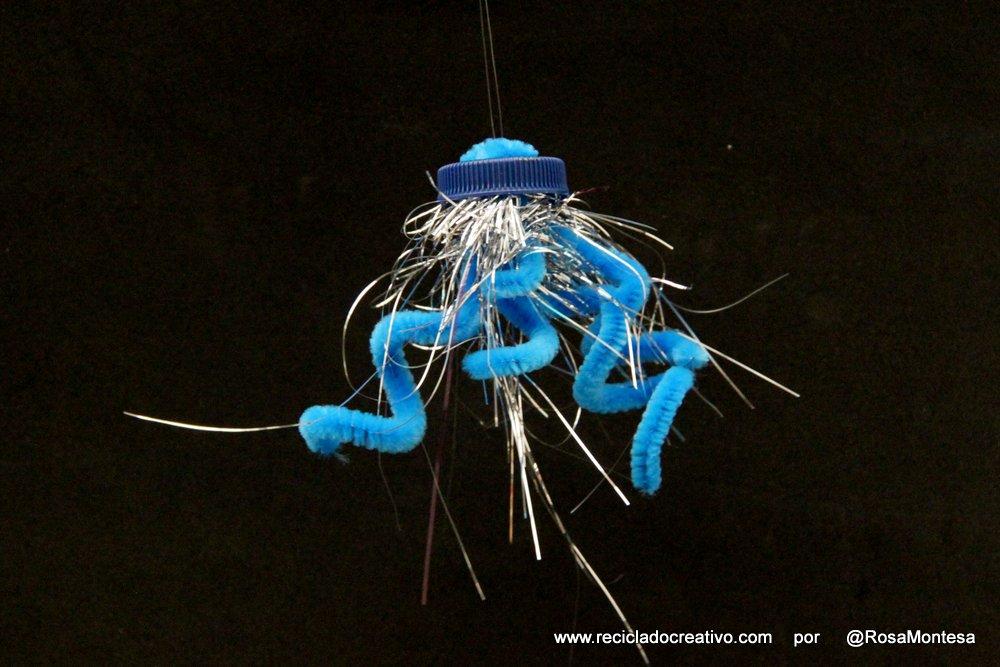 Medusas con tapas de botellas recicladas