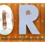 Letras con material reciclado CoworkingValencia