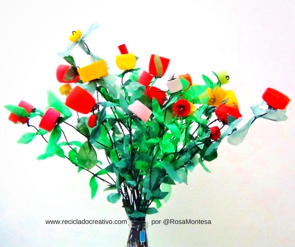 Flores hechas con tapones de botellas y bolsas de plástico