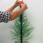 Paso a paso. Cómo hacer un árbol de Navidad con botellas de plástico