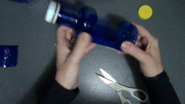 Lámpara realizada reciclando una garrafa y una botella de plástico - Two plastic bottles lamp