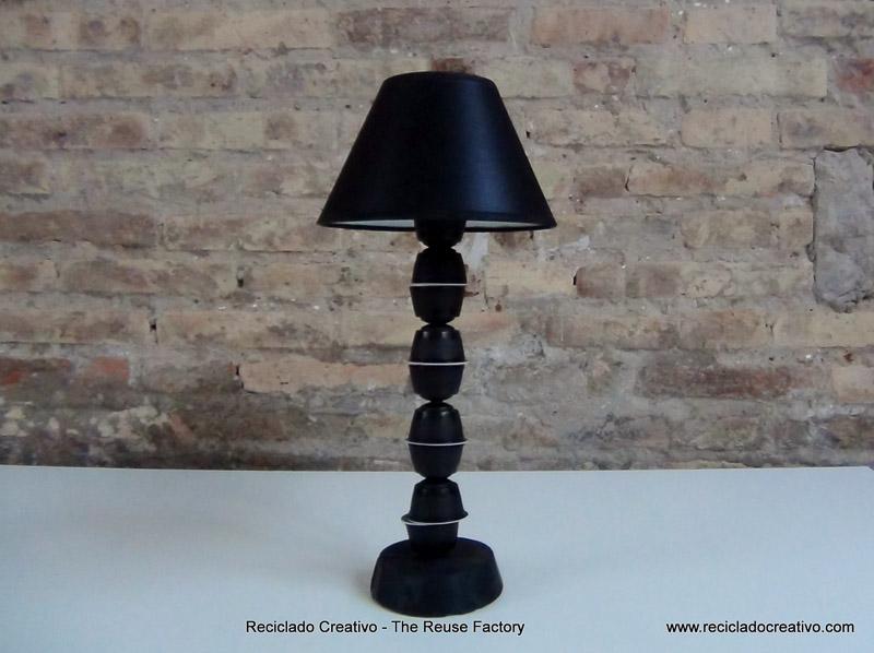 Lámpara realizada con capsulas de cafe ¨Dolce Gusto