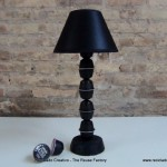 Lamparita de mesa realizada con capsulas de cafe Dolce Gusto - Lamp made whith coffee capsules - Lamp made with recycled coffee capsules Reciclado Creativo - Rosa Montesa