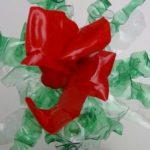 Cómo hacer flores rojas tipo orquídeas reciclando una botella de plástico - How to make red flowers like orchids recycling a plastic bottle http://youtu.be/o9ZJGZDIp3g