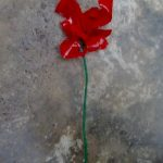 Cómo hacer flores de plástico pet de colores - reciclado - How to make plastic flowers with recycled plastic bottles