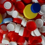 Reciclado de tapones de botellas - una cadena de esperanza - Tapones de botella solidarios - Recycled bottle caps - a chain of hope
