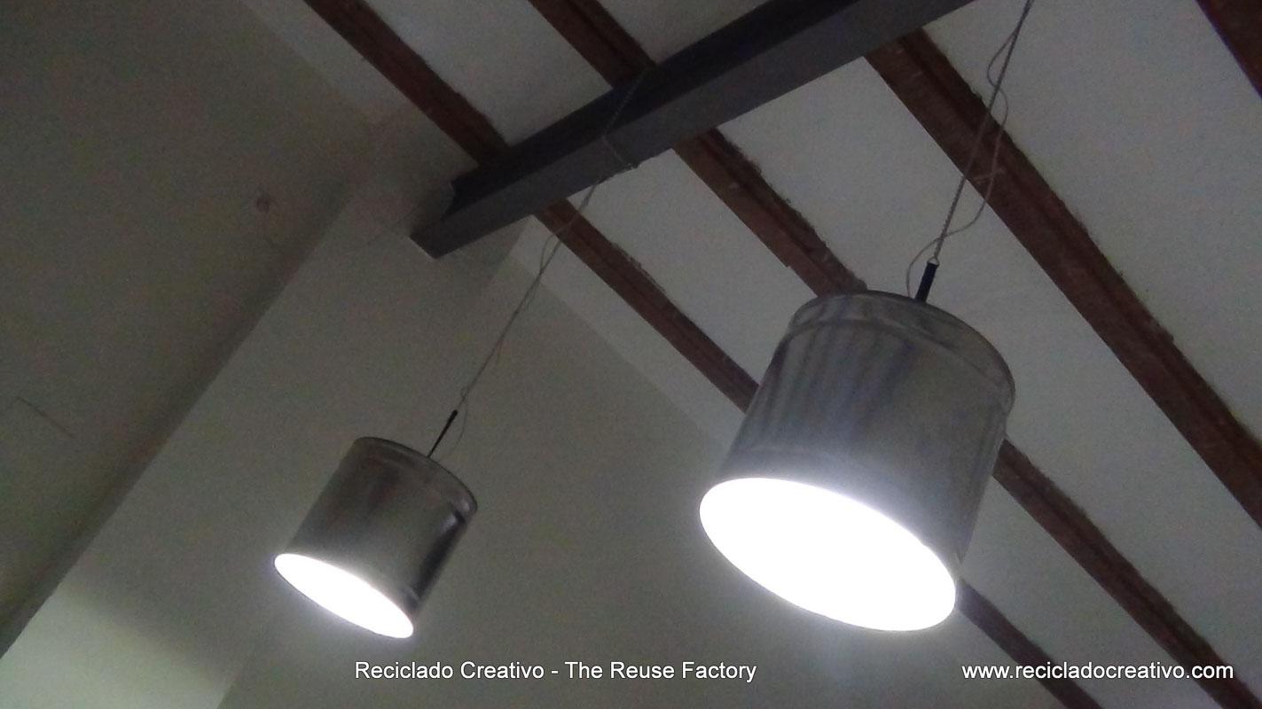 ecycled Tin Can Lamp - Lámpara con bote de metal reciclado - Reciclado Creativo - The Reuse Factory