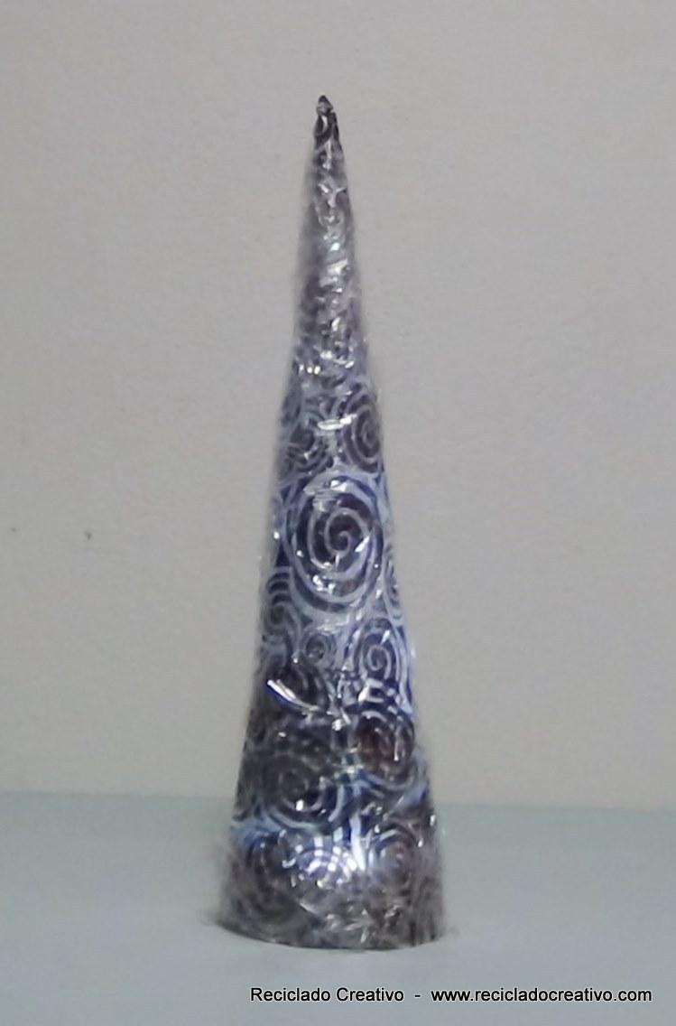 Arbol de Navidad con bolsa de plástico de tienda. Reciclado-Reciclaje. Reciclado Creativo