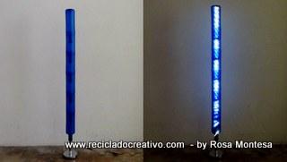 Lámparas con botellas de plástico recicladas, un palo de escoba, un soporte de papel de cocina y luces leds