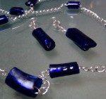 Cuentas para collares de plástico reciclado de color azul. Rosa Montesa. Reciclado Creativo http://www.youtube.com/watch?v=kyEi0X1mbvY&list=TLUE949oSShwiCZRZbDHp9zjsK4Rs1e9Su