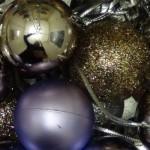 Bisutería reutilizando decoraciones navideñas. Pendientes, colgantes, collares y llaveros