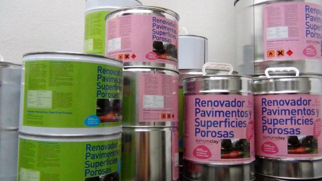 botes de pintura para lámparas con material reciclado