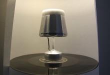 Cafetera italiana convertida en una lampara REHOGAR Reciclado Creativo