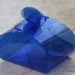 Caja de regalo - bombonera, realizada reciclando una botella de plástico
