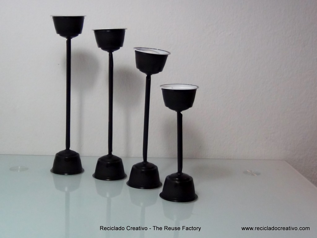 RecicladoCreativo.com Cápsulas Dolce Gusto como portavelas. Dolce Gusto Coffee Capsules as candle holders