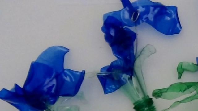 #BlaueBlumen #design101 Flores azules – Blue Flowers – Blaue Blumen – http://www.youtube.com/watch?v=uQz1RwS_29g
