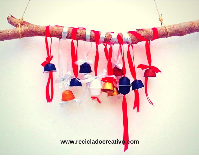 campanillas, decoraciones para el árbol, portavelas y candelabros.