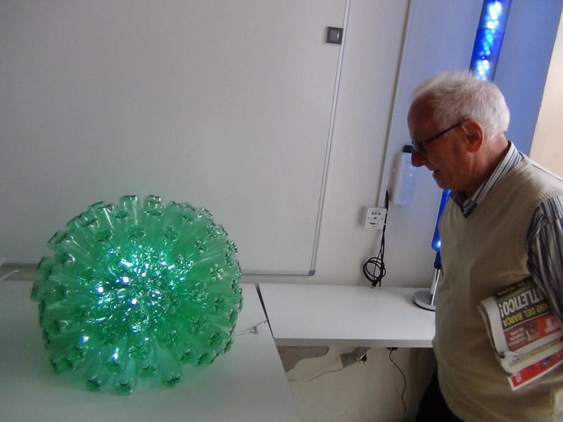 Exposición de objetos realizados con material reciclado (3 ...