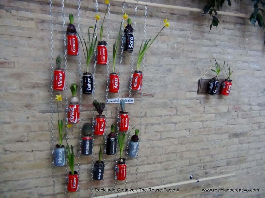 Jard n vertical cocacola compartecocacolacon reciclado for Jardin vertical reciclado