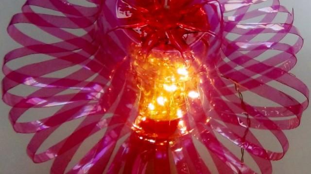 Cómo hacer una lámpara reciclando botellas de plástico