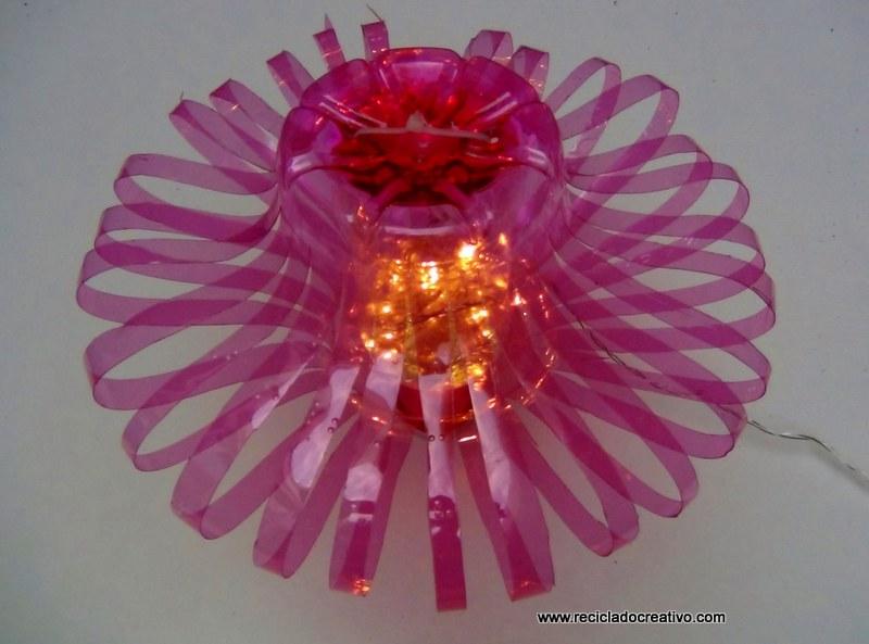 Lámpara botellas rosas recicladas Solan de Cabras (13)
