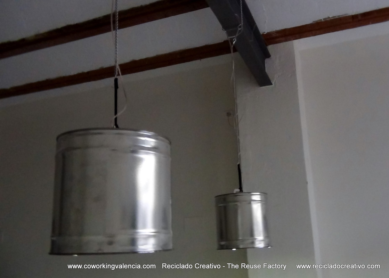 Lámparas realizadas metal de botes reciclados14 con MUpSzV