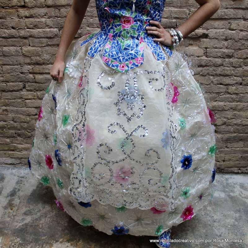 Manteleta y Delantal de Fallera Valenciana #ecofallera - Valencian shawl and apron with recycled materials