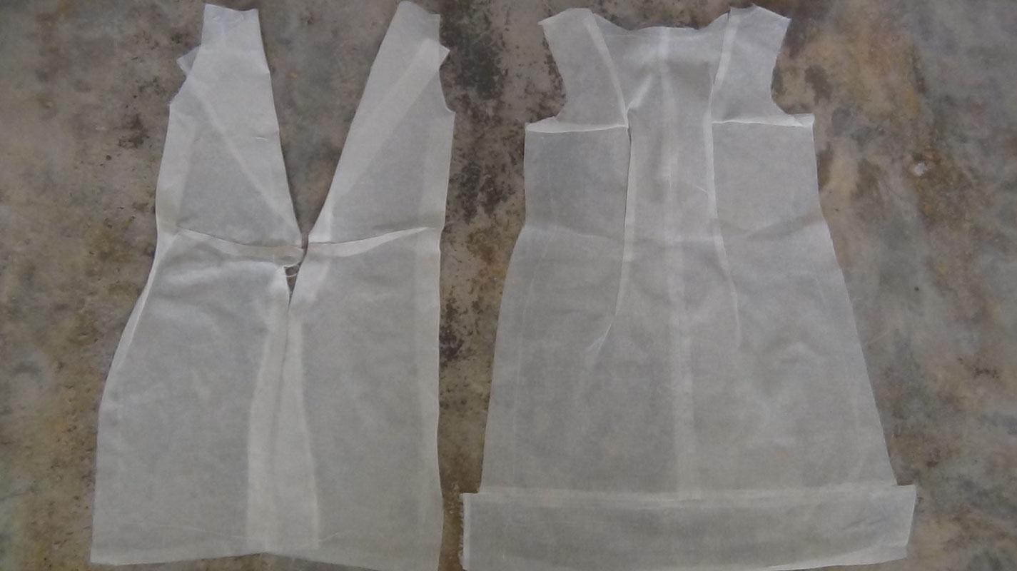 Vestido De Novia Con Vasos De Plástico Reciclado Creativo