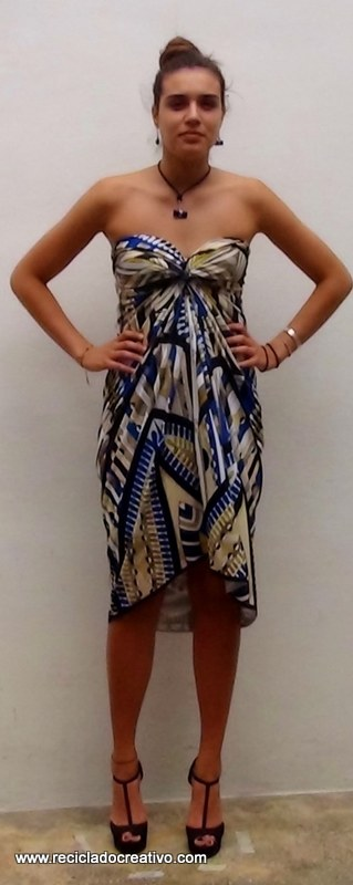 Cómo realizar un elegante vestido sin dar una sola puntada - stitch free dress https://www.youtube.com/watch?v=fGdmoWncLww