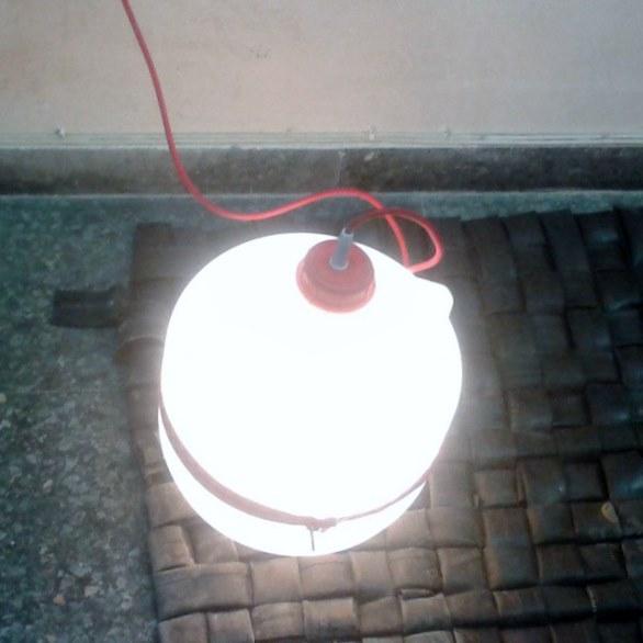 Zipper Light por La Caixa Verda Exposició #rehogar Solucions per a l'habitat a partir de residus #recycling